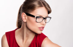 Как правильно подобрать себе модные очки и создать новый имидж