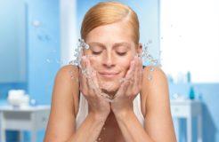 Использование мицеллярной воды для кожи лица и глаз