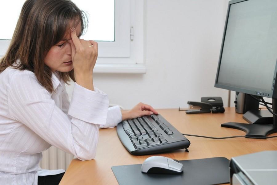 секретарша кончила на работе