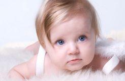 Почему гноятся глаза у ребенка?