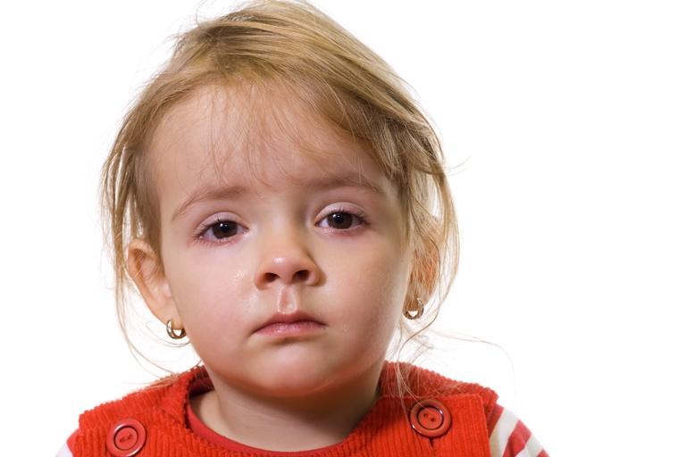 девочка с мокрыми глазами