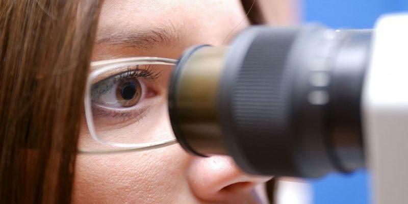 просмотр в микроскопе