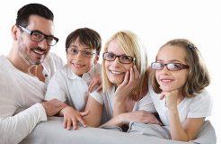 Очки и линзы при близорукости, в чем их эффективность
