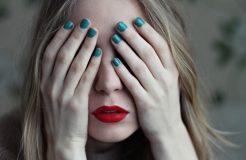 Причины появления кисты на глазу и методы ее лечения
